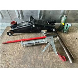 LOT OF 3 - FLOOR JACK, BOTTLE JACK, CAULKING GUN