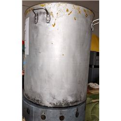 Large cooking pot with lid and with prop base made to look used