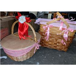 Lot of picnic baskets used in show