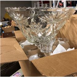2 punch bowls and glass cups