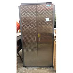 Mastercraft metal cabinet with a key (approx. 6 ft)