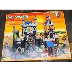 Rare Lego Royal Knights Edition 6090 Complete. New in Box