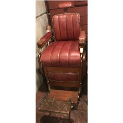Early 1900s barber chair - operational and excellent shape