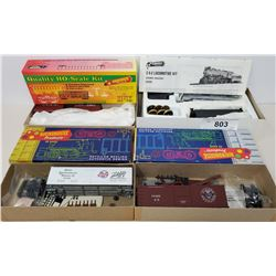 Roundhouse Locomotive Die Cast Model And 3 Box Car Models