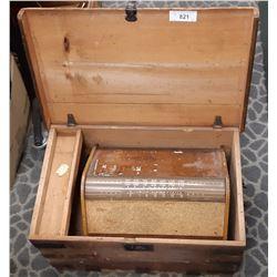 Canadian Marconi Model 294 Short Wave Wooden Radio