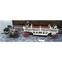 Vintage Cast Iron Fire Engine With 3 Horses