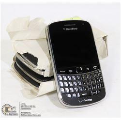 BUNDLE OF 5 WORKING BLACKBERRY BOLD SMARTPHONES