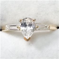 SILVER CUBIC ZIRCONIA  RING (~SIZE 6)