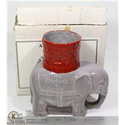 ELEPHANT + CASTLE MUG IN BOX