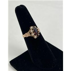 Pearl and Garnet 10k Yellow Gold Ring 2.46 Grams