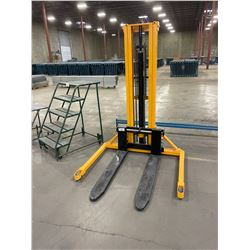 YELLOW INDUSTRIAL 1000KG HAND STACKER MOBILE PALLET JACK
