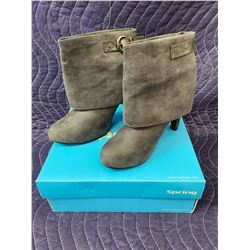 SPRING GREY BOOTS SIZE 7 IN BOX