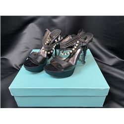 GUESS BY MARCIANO HEELS SIZE 6.5 IN BOX