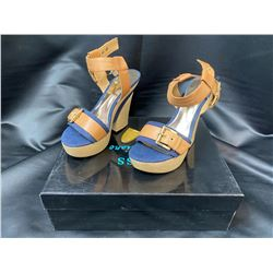 GUESS BY MARCIANO WEDGES SIZE 6 IN BOX (HEEL NEEDS REPAIR)