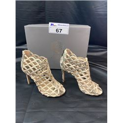 VINCE CAMUTO HEELS SIZE 6.5 IN BOX