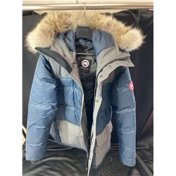 CANADA GOOSE SIZE L JACKET