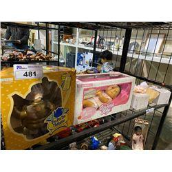TEA POT TOTS COLONEL KETTLEBY, HORSMAN POSEABLE SOFSKIN ORIENTAL BABY, 2 ASHTON-DRAKE GALLERIES