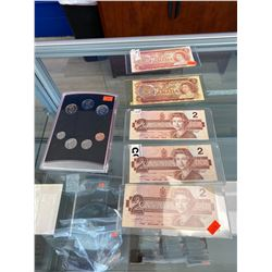 5 CANADIAN $2 BILLS AND UNCIRCULATED 2000 COIN SET
