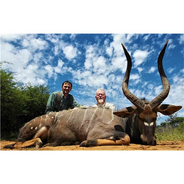 South Africa: 7 Day Plains Game Hunt for 2 Hunters / Includes 2 Bushbuck, 2 Nyala Bull & 2 Impala