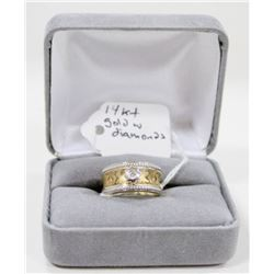 10 KT GOLD RING WITH DIAMONDS