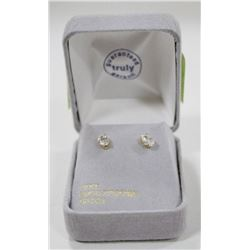 10 KT GOLD EARRINGS WITH CUBICS ZIRCONIA.