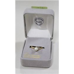 10 KT GOLD RING WITH PEARL AND DIAMONDS
