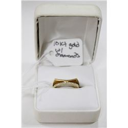 10 KT FANCY GOLD AND DIAMOND RING