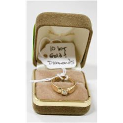 10 KT GOLD RING WITH DIAMONDS SIZE 7