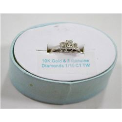 10 KT GOLD RING WITH 3 DIAMONDS 1.10 TCW