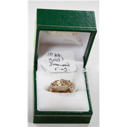 10 KT GOLD RING WITH DIAMONDS SIZE 6.5