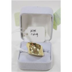 10 KT GOLD RING SIZE 7.25