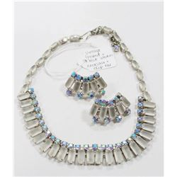 VINTAGE FROSTED BLUE STONE NECKLACE AND CLIP