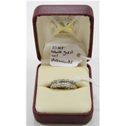 10 KT WHITE GOLD AND DIAMOND RING
