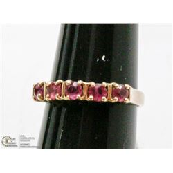 10 KT GOLD AND RUBY RING SIZE 5