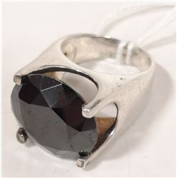 LARGE STERLING SILVER RING WITH LARGE CUT STONE