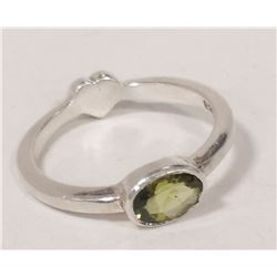 STERLING SILVER HEART RING WITH PERIDOT