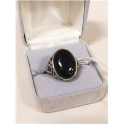 VINTAGE STERLING SILVER RING WITH ONYX STONE