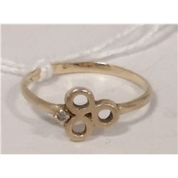 10 KT GOLD AND DIAMOND RING SIZE 5.5