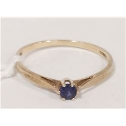 10 KT GOLD RING WITH SAPPHIRE