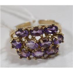 10 KT GOLD RING WITH AMETHYST CLUSTER