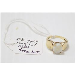 10K GOLD RING WITH OPAL CENTRE STONE SIZE 5.5