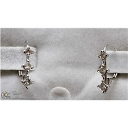 14 KT WHITE GOLD EARRINGS WITH 6 DIAMONDS
