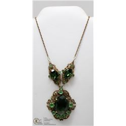 ANTIQUE GREEN STONE COSTUME JEWELLERY NECKLACE
