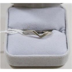 925 SILVER RING SIZE 6.5