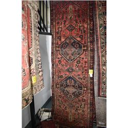 100% handmade wool carpet runner Hamdan with double medallion, red background and highlights of blue