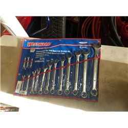 ROLL OF WESTWARD COMBINATION BOX AND OPEN ENDED WRENCHES
