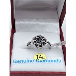 14KT WHITE GOLD GENUINE BLACK AND WHITE DIAMOND RING W/ APPRAISAL $4185 - SIZE 7, 105 DIAMOND 0.88CT