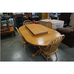OAK DINING TABLE WITH 2 LEAFS AND 4 CHAIRS