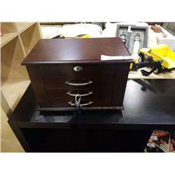 Jewelry case with drawers and key