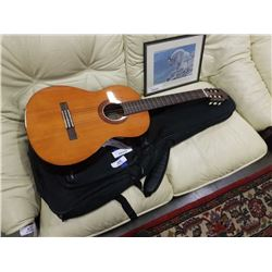 YAMAHA C40 ACOUSTIC GUITAR
